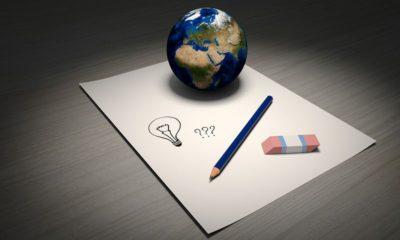 folio-bola-del-mundo-lápiz-y-goma
