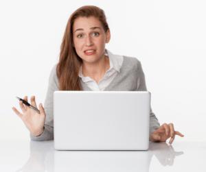 chica-con-ordenador-paralizada